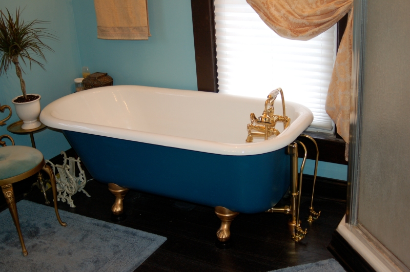Guest Bath Before & Demo 1 023