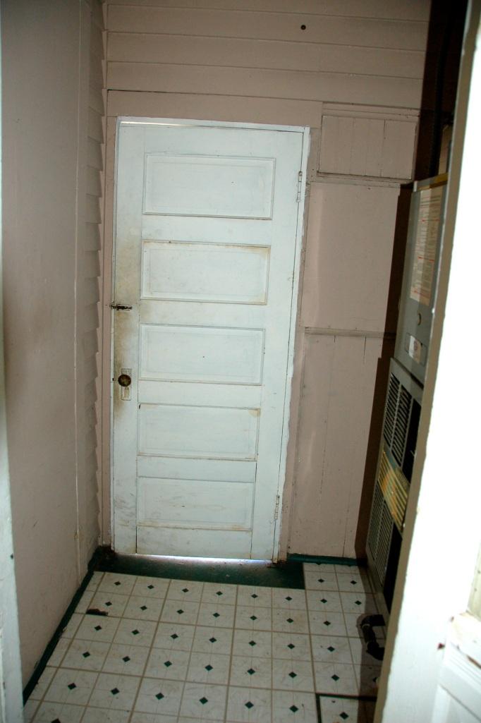 Utility Room Floor Cottage04