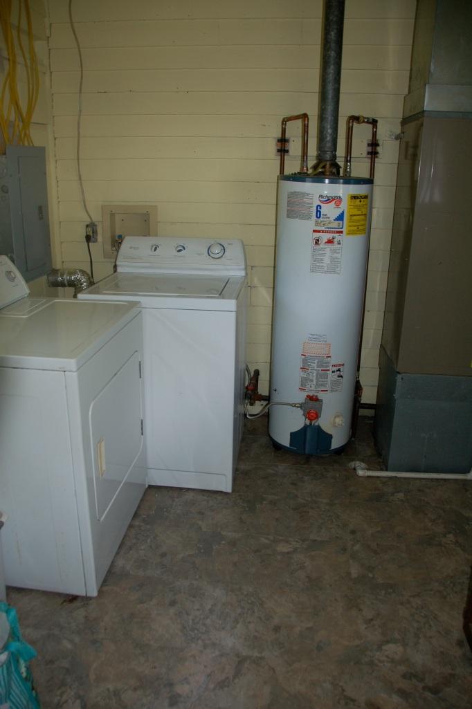 Utility Room Floor Cottage06