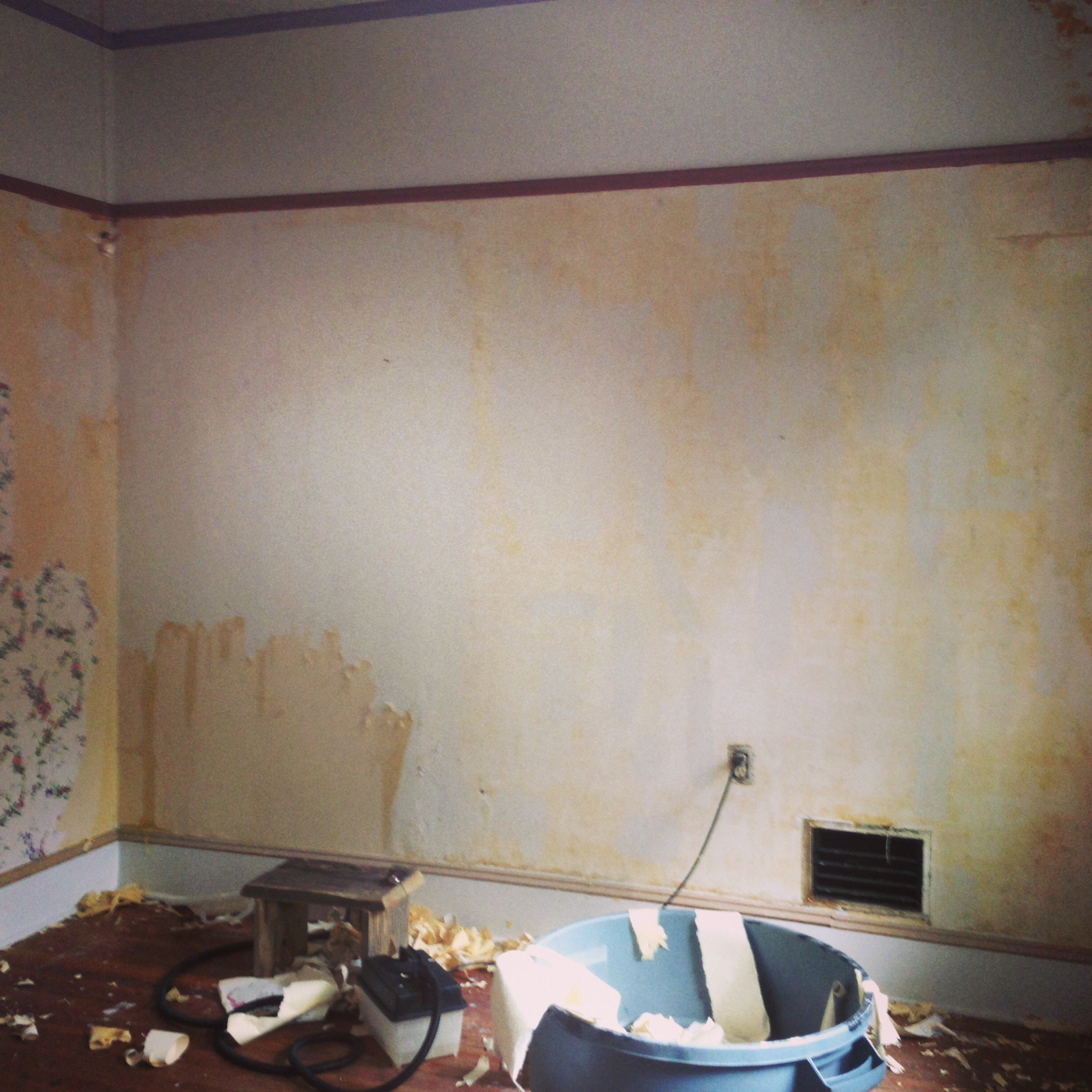 how to take down wallpaper from plaster walls