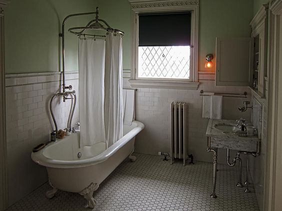 Victorian Bathrooms : A History Lesson
